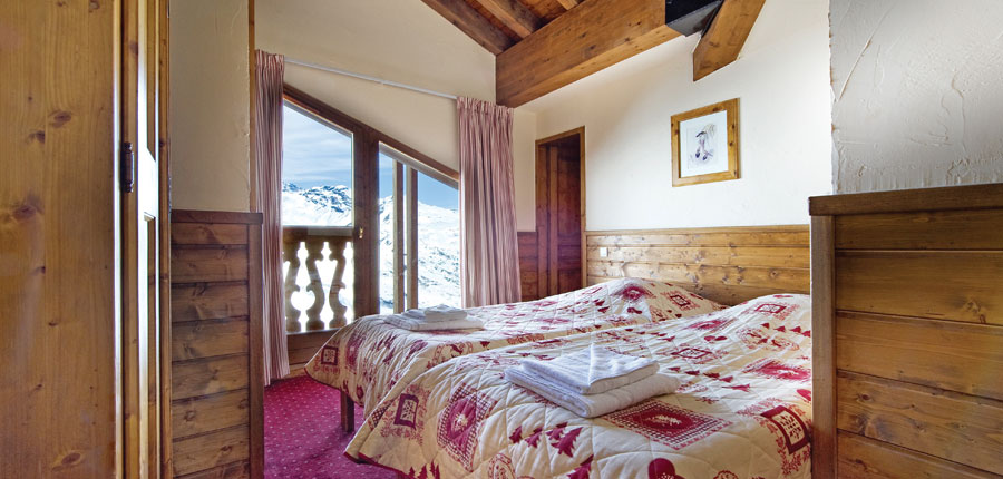 France_Val-Thorens_chalet_anais_bedroom.jpg